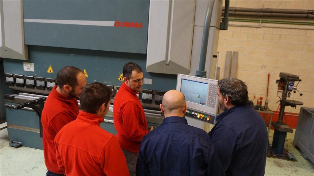 Toro Equipment Formación Plegadora hidráulica industrial